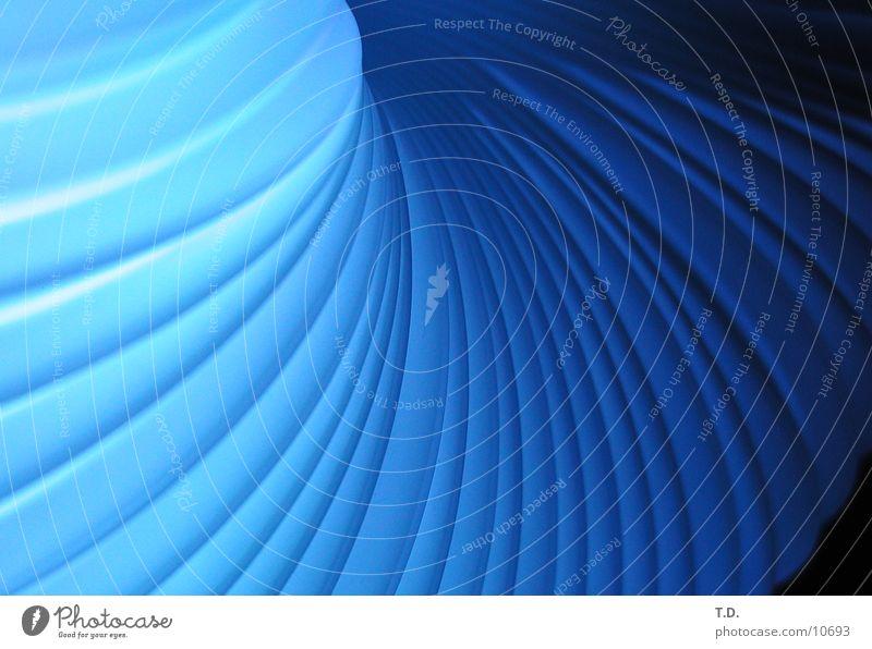 Lichtwurm kalt Schlauch Fototechnik Leuchtdiode blau Erdgaspipeline Statue Kurve Röhren