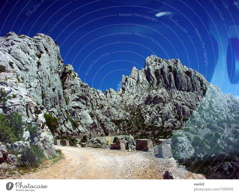 Wo einst Winnetou ... Ferne Landschaft Straße Berge u. Gebirge Wege & Pfade Klima hoch Verkehr fahren Spitze Idylle Schönes Wetter Gipfel Verkehrswege Grenze Kroatien