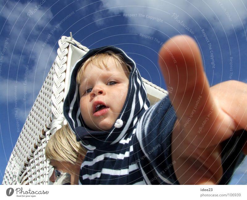 ...ich will zurück nach Westerland Sommer Strand Kind Mensch maskulin Kleinkind Junge Kindheit Kopf Gesicht Hand Finger 1 3-8 Jahre Sand Himmel Schönes Wetter