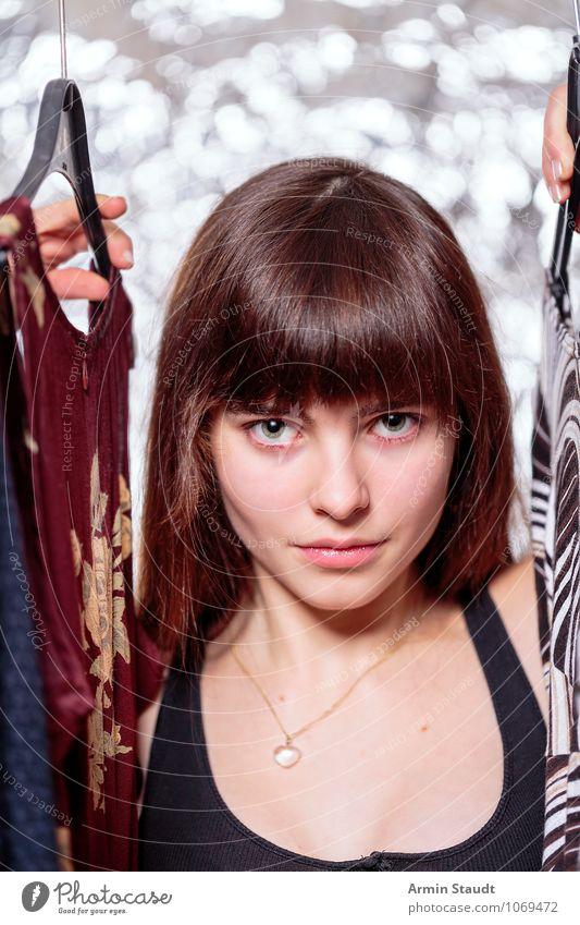 Neulich im Kleiderschrank IV Mensch Frau Kind Jugendliche schön Junge Frau Hand Erwachsene Gesicht Beleuchtung feminin Stil Haare & Frisuren Mode Lifestyle