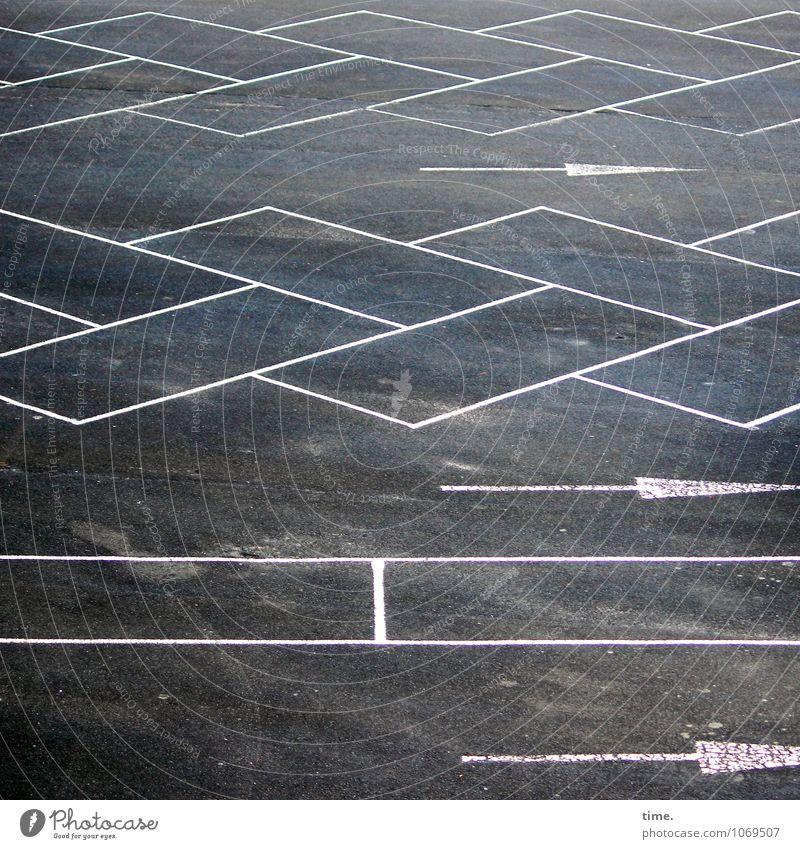 spießig | Parkraumordnung Ferne Wege & Pfade Linie Kunst Schule Design Ordnung Verkehr Perspektive Streifen Zeichen Güterverkehr & Logistik planen Asphalt Pfeil