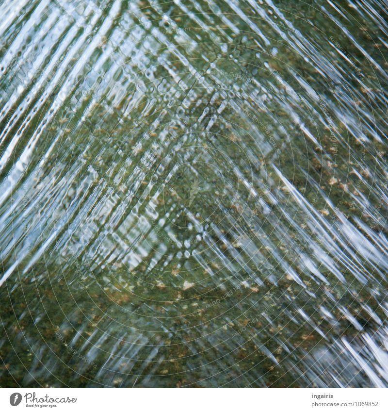 Strukturreich Wasser Bach Fluss Wasseroberfläche Wasserspiegelung Zeichen glänzend nass blau grün Bewegung Kreativität Stimmung Quadrat Außenaufnahme abstrakt