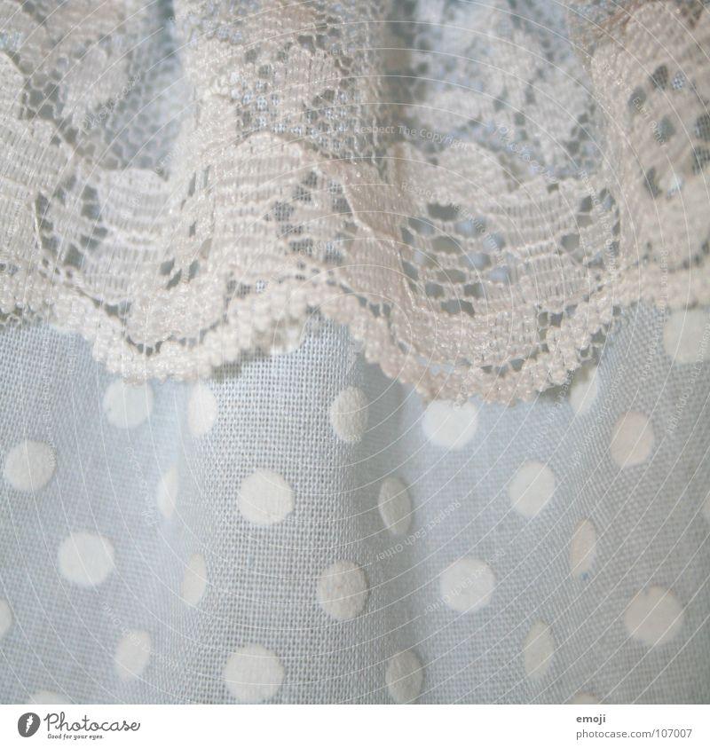 Stoff blau weiß hell Bekleidung trist Spitze Kleid Punkt nah Wäsche Sonntag