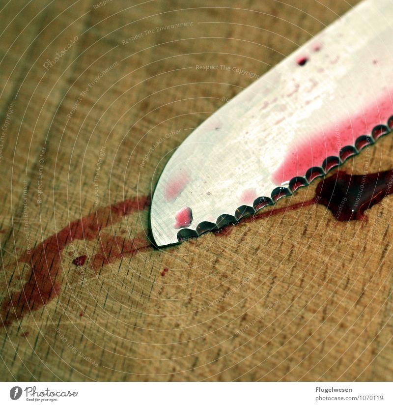 Ich war's nicht! Lebensmittel Ernährung Essen Mittagessen Messer Jagd Tod töten Mord Mörder mörderisch stechen Scharfer Gegenstand Tatort Polizei Kriminalität