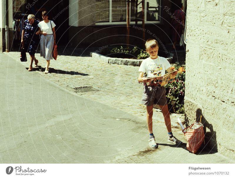 Einkaufsbummel '90 Mensch Frau Kind Ferien & Urlaub & Reisen Sommer Erwachsene Senior feminin Lifestyle maskulin Freizeit & Hobby Tourismus Kindheit