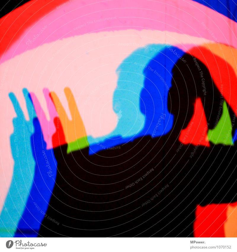 vvv Kunst Scheinwerfer Coolness mehrfarbig Frieden Komplementärfarbe Schatten Selbstportrait Experiment Beleuchtung blau grün rot Oberkörper Kopf Finger