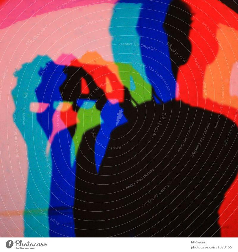 rgb Kunst Coolness mehrfarbig Frieden Komplementärfarbe Schatten Selbstportrait Experiment Beleuchtung grün rot Oberkörper Kopf Finger Farbfoto Innenaufnahme