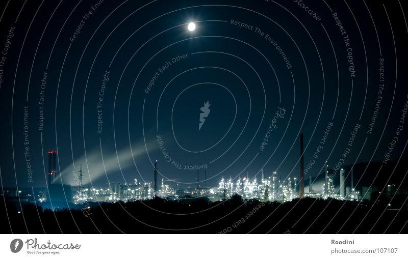 Colony Lampe dunkel Arbeit & Erwerbstätigkeit Erdölförderung Industrie Energiewirtschaft Turm Wissenschaften Rauch Mond Maschine Schornstein Konstruktion