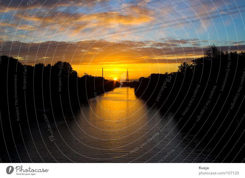Emscher (Rhein-Herne-Kanal) Wasser Himmel Baum Sonne blau schwarz Wolken gelb Fluss
