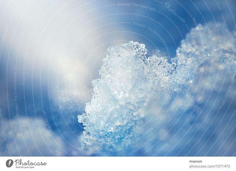 kalt Natur blau weiß Winter Schnee natürlich Eis Frost Kristalle Eiskristall Schneekristall Eisberg