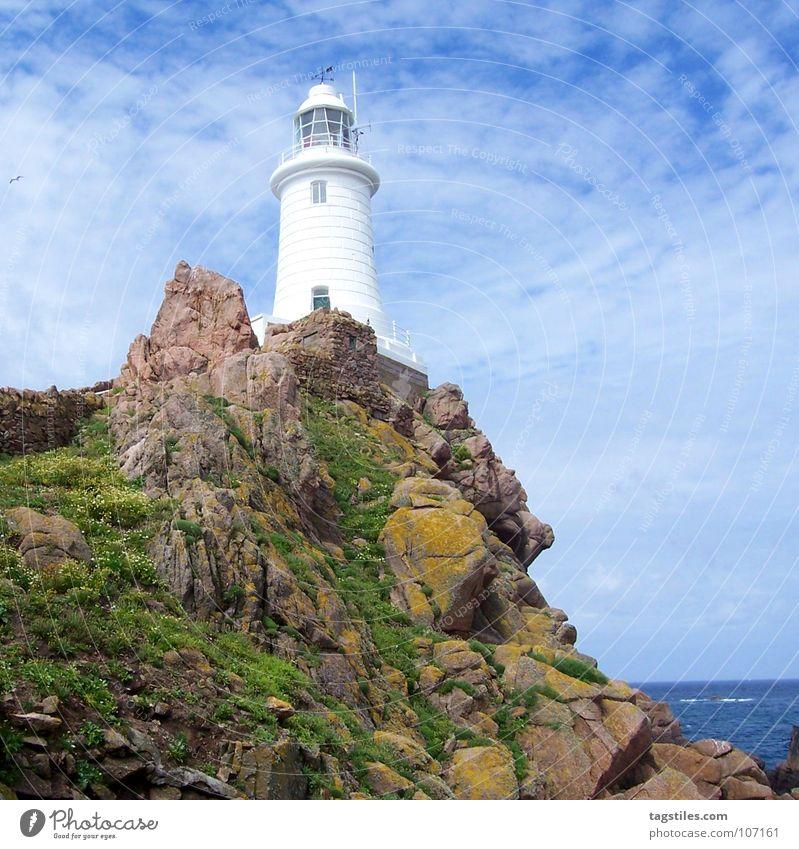 FELS IN DER BRANDUNG weiß Meer grün blau Stein Felsen Sicherheit Konzentration Denkmal Wahrzeichen Leuchtturm Wegweiser Klippe Orientierung Signal standhaft