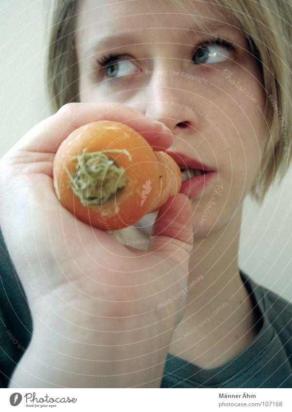Tun mal lieber die Möhrchen... Frau Möhre Ernährung Rohkost Gesundheit Suppengrün Pflanze Lebensmittel Vegetarische Ernährung Gemüse Maike orange