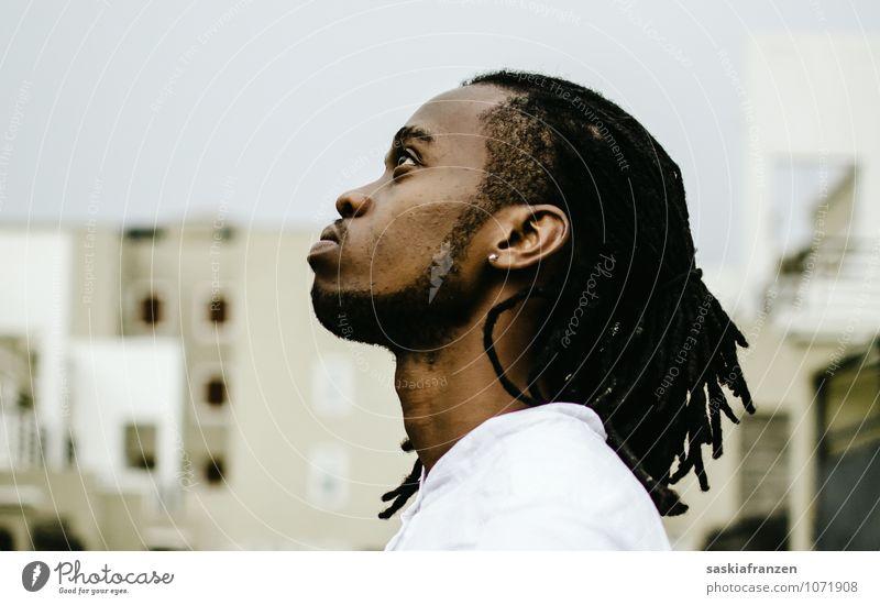 Good Kid. Stil Haare & Frisuren Gesicht maskulin Junger Mann Jugendliche Erwachsene 1 Mensch 18-30 Jahre schwarzhaarig langhaarig Rastalocken Afro-Look Bart