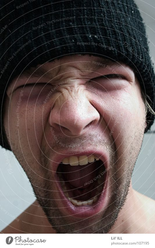 Ahhhhh! Mann Gesicht Mund Wut schreien Bart Mütze Ärger laut unrasiert