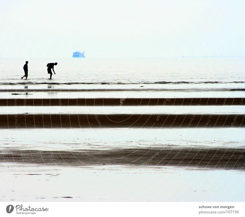 suchende-schiff-horizont Mensch Natur Wasser alt Meer blau Strand ruhig Sand Wasserfahrzeug Küste Suche Horizont Frieden Klarheit Vergänglichkeit