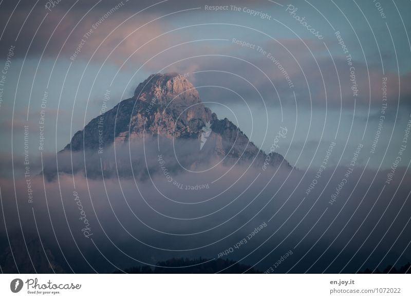 Durchbruch Himmel Natur Ferien & Urlaub & Reisen blau Landschaft Wolken Ferne Umwelt Berge u. Gebirge Freiheit Felsen rosa Wetter Nebel Tourismus Klima