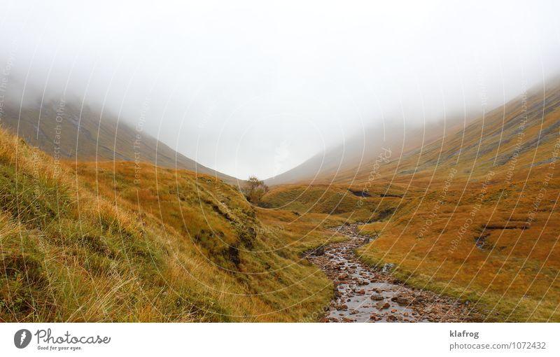 Allein im Hochtal Ferien & Urlaub & Reisen Tourismus Freiheit Insel Berge u. Gebirge wandern Schottland Whiskey Hochebene Himmel Wolken Gewitterwolken
