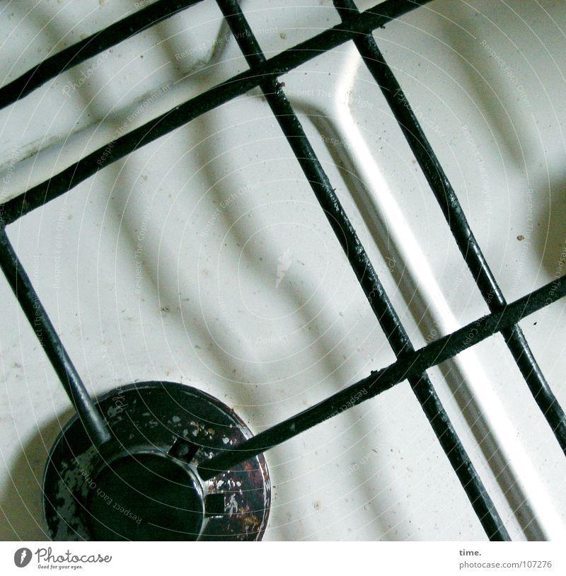 Treue Seele (I) weiß schwarz grau Wärme Metall Kochen & Garen & Backen Physik Quadrat Dienstleistungsgewerbe Rost Fett Gas Fleck Mahlzeit Öl Herd & Backofen