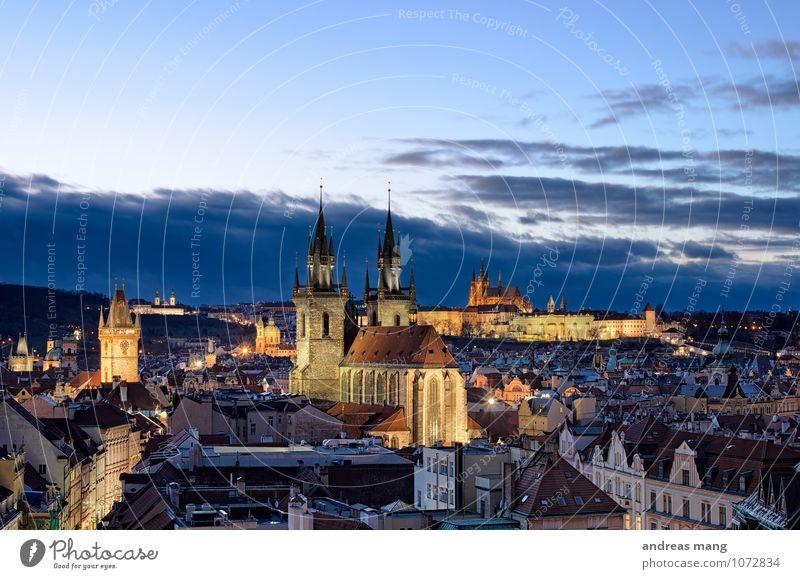 Goldene Stadt Ferien & Urlaub & Reisen Tourismus Ausflug Sightseeing Städtereise Architektur Himmel Wolken Prag Altstadt Skyline Kirche Burg oder Schloss Turm