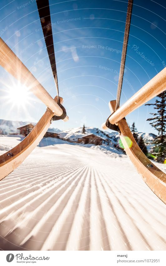 Los geht´s zur Hüttengaudi! Ferien & Urlaub & Reisen blau Freude Winter Gefühle Bewegung Schnee Freiheit Tourismus Eis Geschwindigkeit Ausflug Lebensfreude