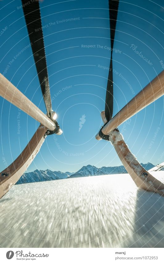Rasant Ferien & Urlaub & Reisen Tourismus Ausflug Abenteuer Freiheit Winter Schnee Winterurlaub Berge u. Gebirge Natur Himmel Wolkenloser Himmel Schönes Wetter