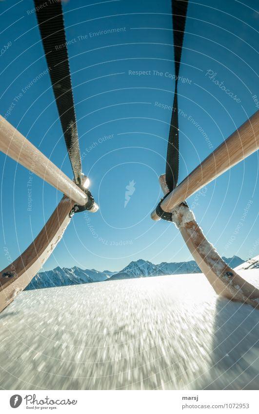 Rasant Himmel Natur Ferien & Urlaub & Reisen blau Freude Winter Berge u. Gebirge Schnee Sport Freiheit Tourismus Freizeit & Hobby Aktion gefährlich