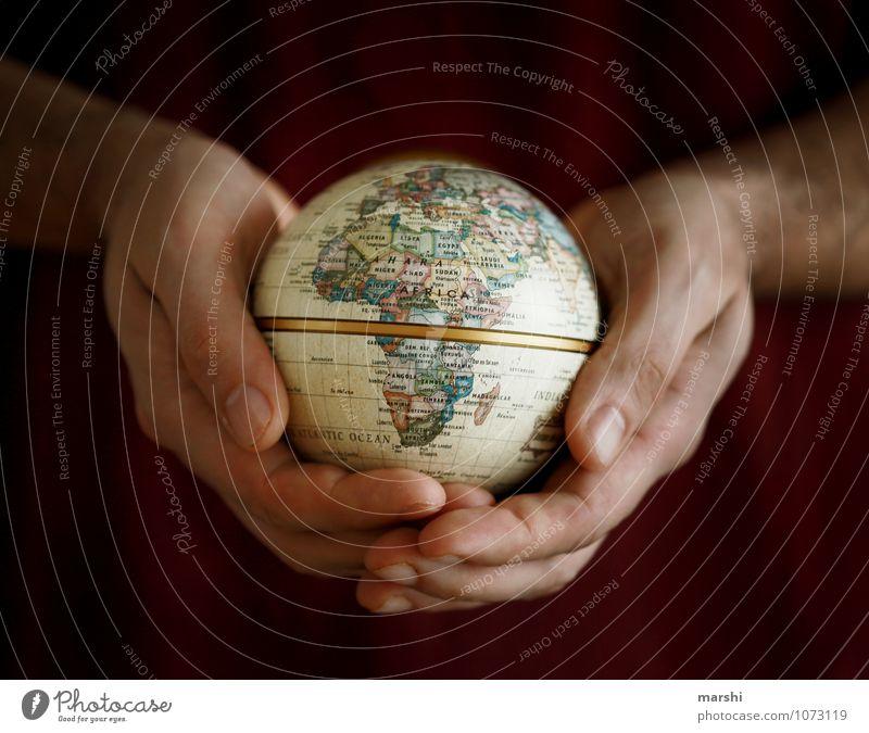 heal the world Mensch Umwelt Natur Erde Klima Zeichen Gefühle Stimmung Heilung Krieg Schutz Frieden Kontinente Reisefotografie Hand Bogenschütze Afrika rund
