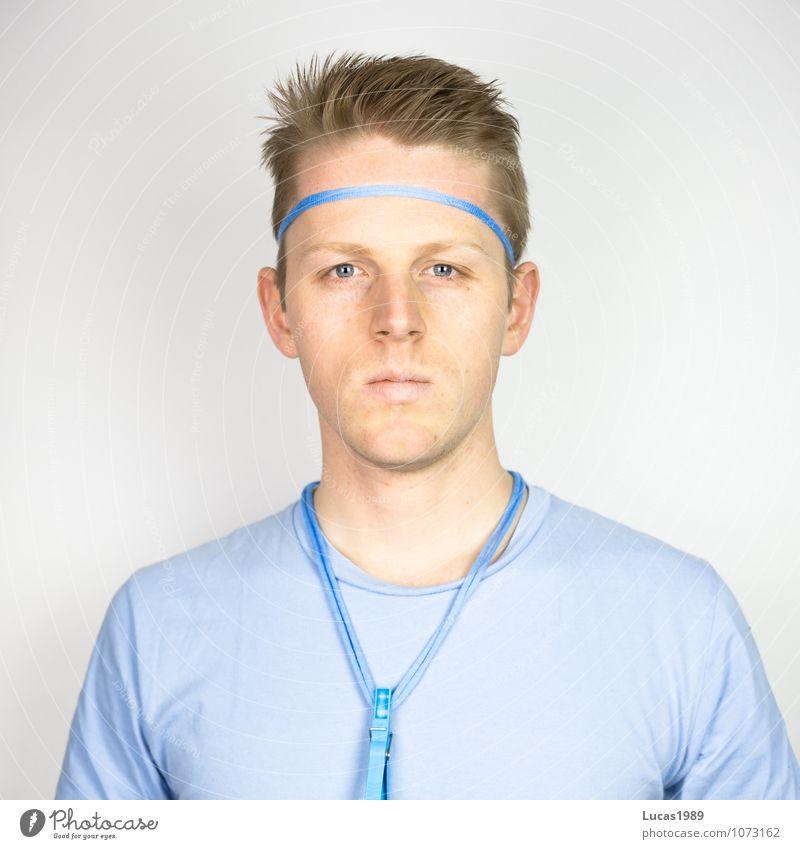 Farbstudie - Blau Mensch Jugendliche Mann blau Junger Mann 18-30 Jahre Erwachsene Leben Farbstoff Sport Haare & Frisuren Kunst maskulin Zufriedenheit blond