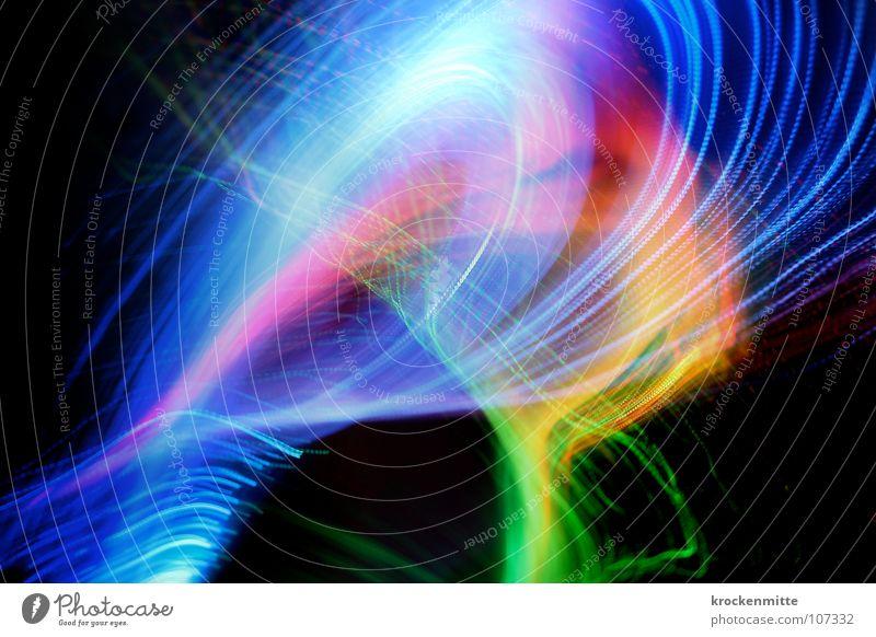 Lichtertanz abstrakt Streifen Nacht rosa rot grün Schwung Farbe Lampe Linie Nebel blau Bewegung