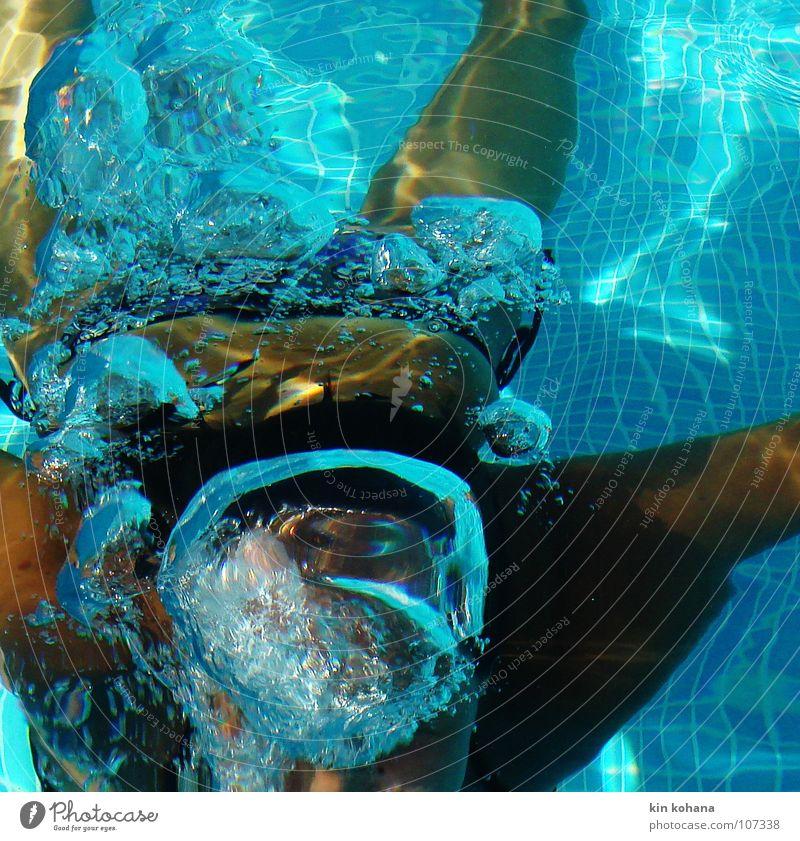 blubb. (erwachen) Frau blau Wasser Ferien & Urlaub & Reisen Sommer Freude Erwachsene kalt Glück Luft braun Schwimmen & Baden Haut nass Schwimmbad tauchen