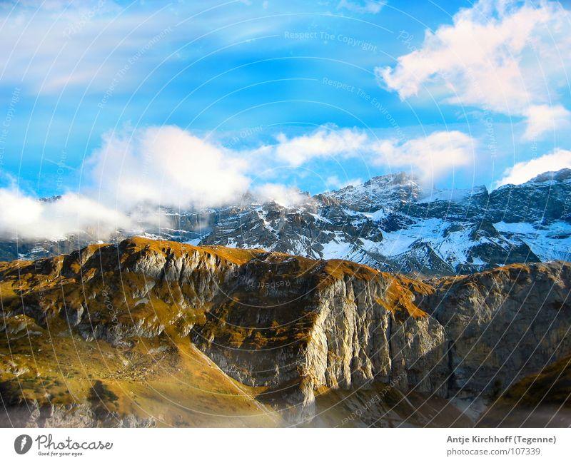 ... die Welt steht still Natur Himmel weiß blau ruhig Wolken Ferne kalt Schnee Berge u. Gebirge Landschaft groß hoch Schweiz Unendlichkeit Alm