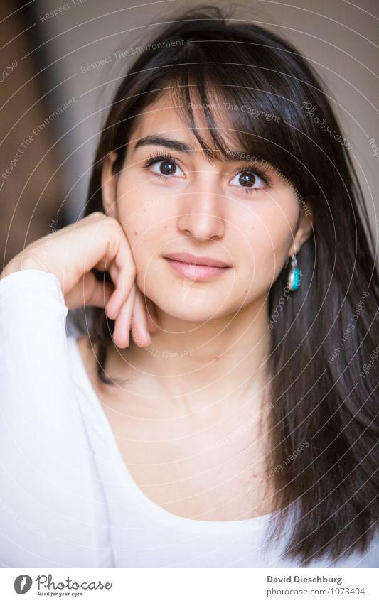 Schönheit Mensch Frau Jugendliche schön Junge Frau ruhig 18-30 Jahre Erwachsene Gesicht Auge feminin Haare & Frisuren Kopf Kraft Erfolg Mund