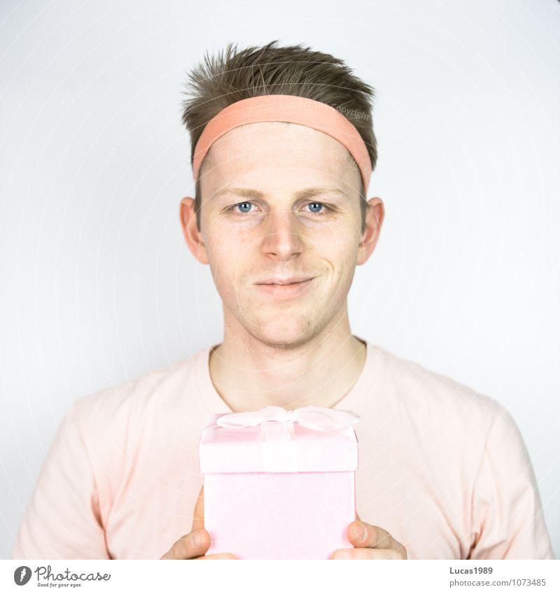 Farbstudie - Geschenk Mensch maskulin Junger Mann Jugendliche Erwachsene 1 18-30 Jahre T-Shirt Stirnband Haare & Frisuren blond kurzhaarig festhalten Lächeln