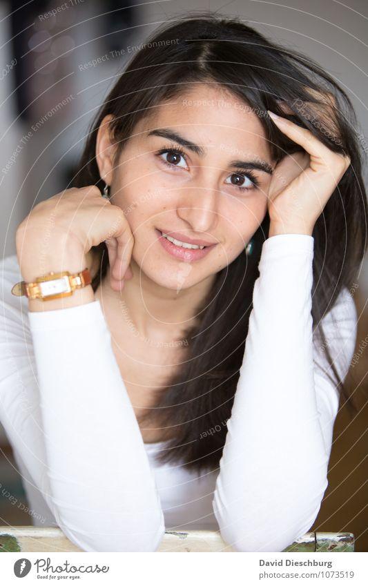 Myriams Lächeln Mensch Frau Jugendliche Junge Frau Hand Erwachsene Gesicht Auge feminin Glück Haare & Frisuren Kopf Zufriedenheit Kraft Erfolg Arme