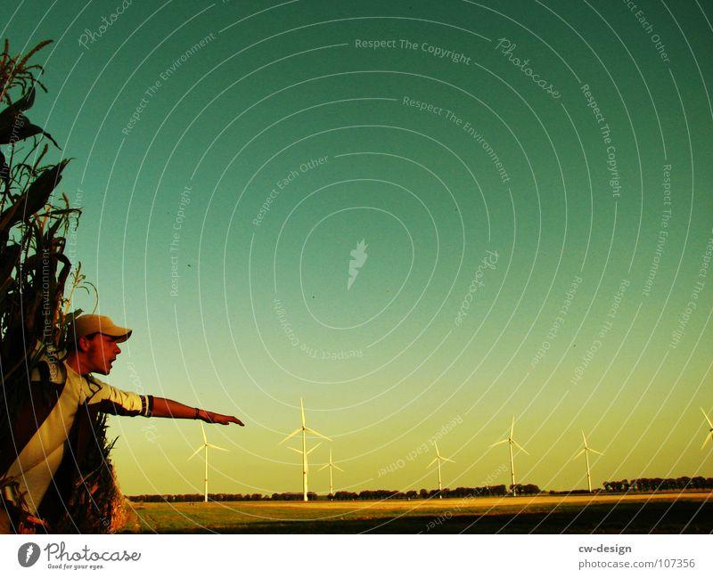 die ferne Windkraftanlage Propeller regenerativ ökologisch umweltfreundlich Technik & Technologie Umweltverschmutzung Industrielandschaft Blauer Himmel