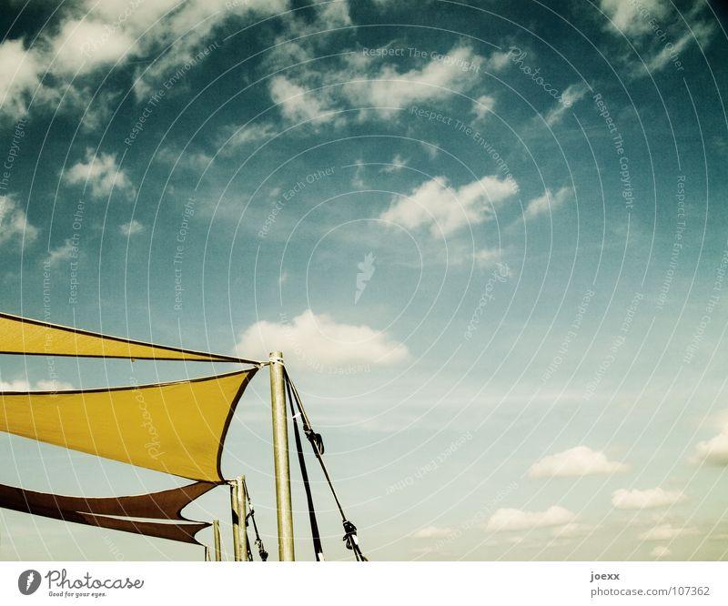 Lichtschutzfaktor gelb himmlisch Physik leicht Leichtigkeit Luft luftig Sonnensegel Stoff Wolken Sommer Himmel Freizeit & Hobby abspannung blau Wärme Strommast