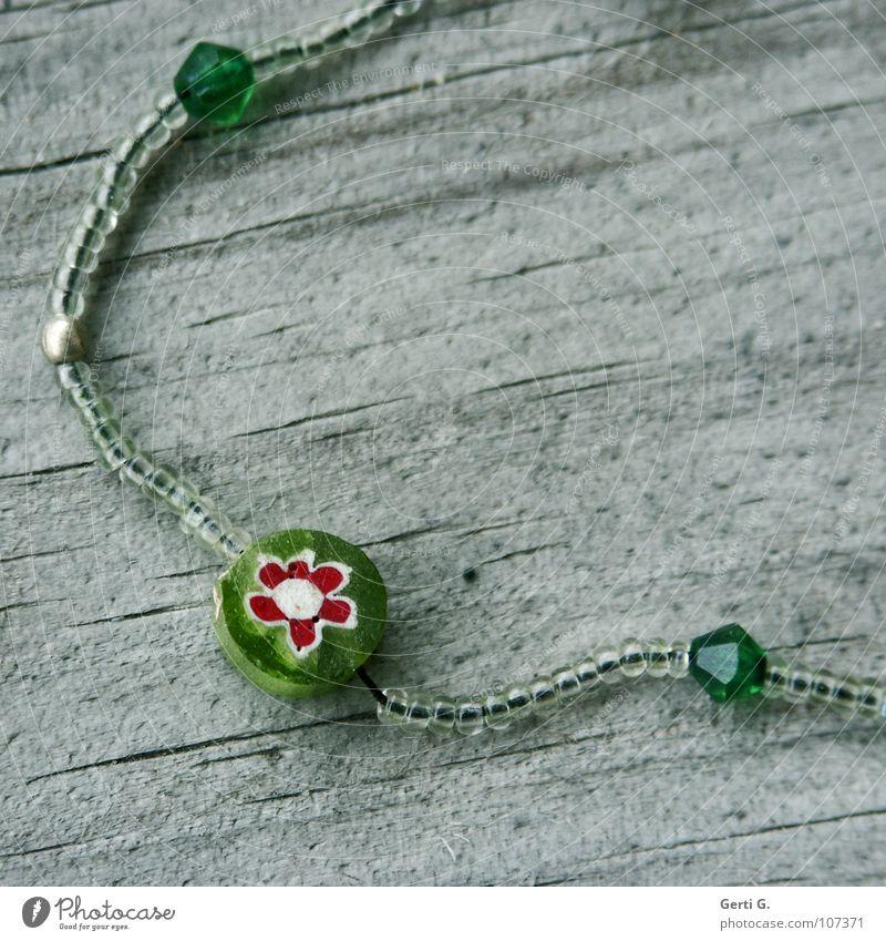 Geschmeide alt Blume grün Freude Holz klein mehrere Spielzeug verfallen Reichtum Statue Schmuck Kunststoff Handwerk Loch Perle