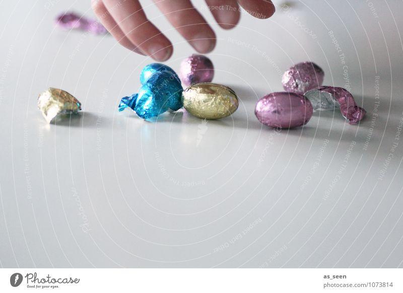 Erwischt! Lebensmittel Süßwaren Schokolade Schokoladenosterhase Schokoladeneier Ernährung Essen Diät Gesundheit Feste & Feiern Ostern Kindererziehung Hand
