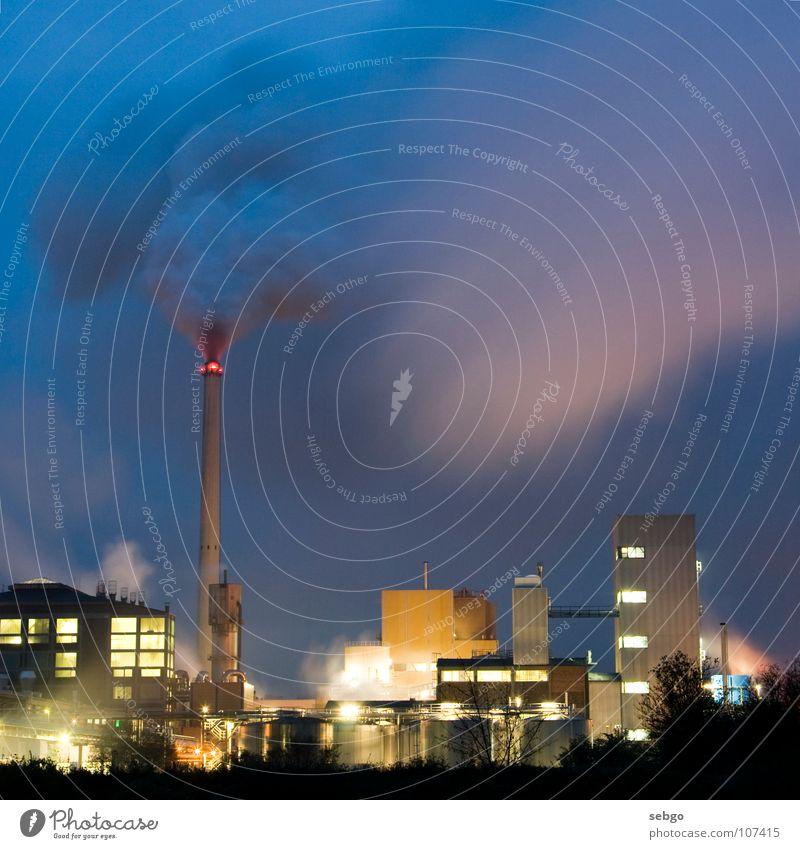 Zuckerfabrik Fabrik Rauch Licht rot Strahlung Gebäude Gewerbe Nacht Industrie Turm Schornstein Wasserdampf Lichtstrahl Lagerhalle Himmel Ochsenfurt