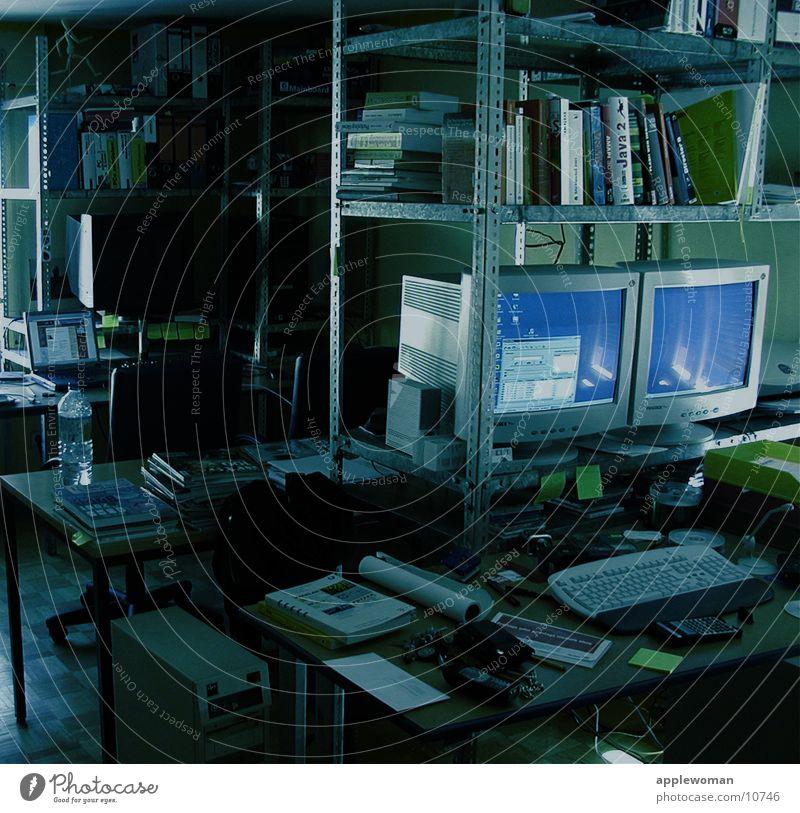 office Büro Computer Raum Schreibtisch unordentlich