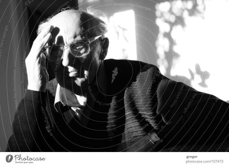 portrait of an old man (2) alt ruhig Senior Tod Traurigkeit Denken warten Zeit leer Ende Vergänglichkeit tief Großvater Gedanke verloren Mensch