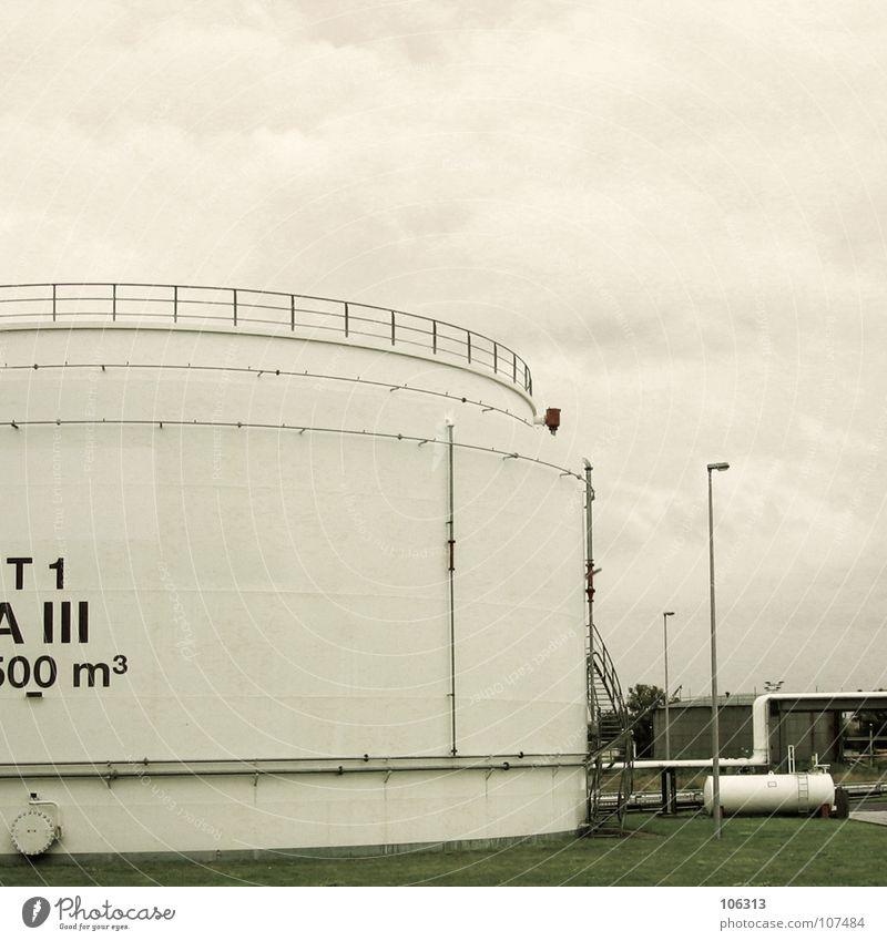 NEW WAVE ORDER Behälter u. Gefäße Quadratmeter rund Kreis groß Macht Dresden Industrie Himmel Tank Kunstwerk t1 m² Metall stig inge unförmig huge big indutry