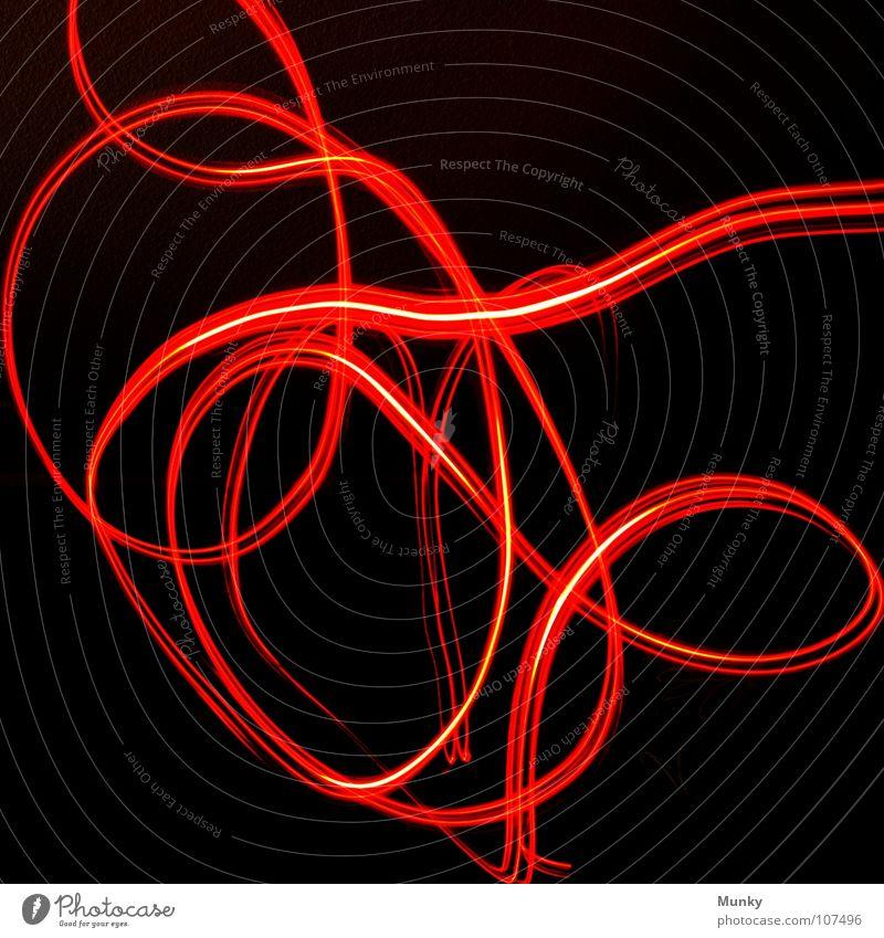 Achterbahn I (Rücklicht) dunkel Licht Leuchtspur grün türkis rot schwarz Leuchtkraft Lampe Kreis Zufall zufällig Lust Vordergrund Hintergrundbild Lightshow