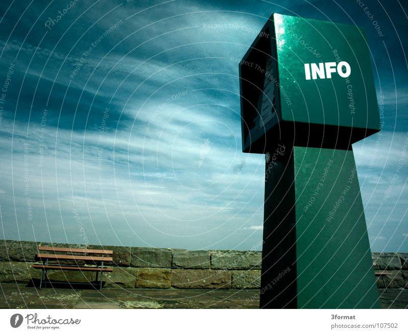 info02 Information ruhig trist Menschenleer Wolken grün Himmel blau Automat