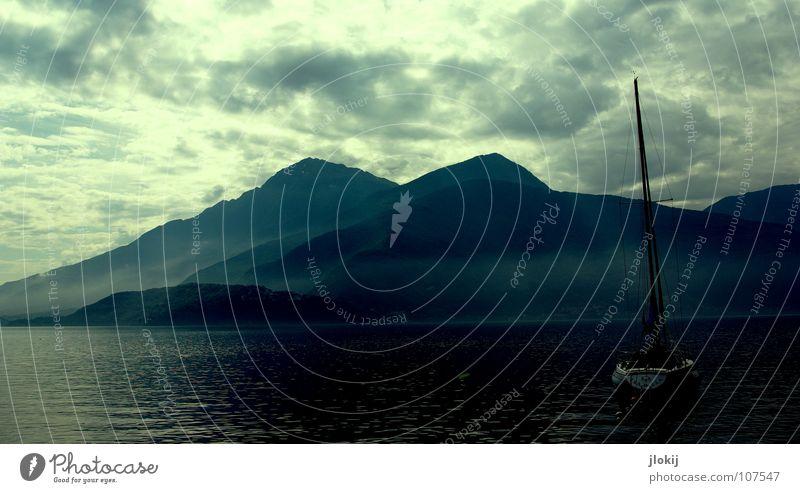 ISABELA See Wellen Wasserfahrzeug Segelboot Nebel Wolken Segeln ruhig Ferien & Urlaub & Reisen Pause Nacht Stimmung Sportboot Windkraftanlage Jolle Oberkörper
