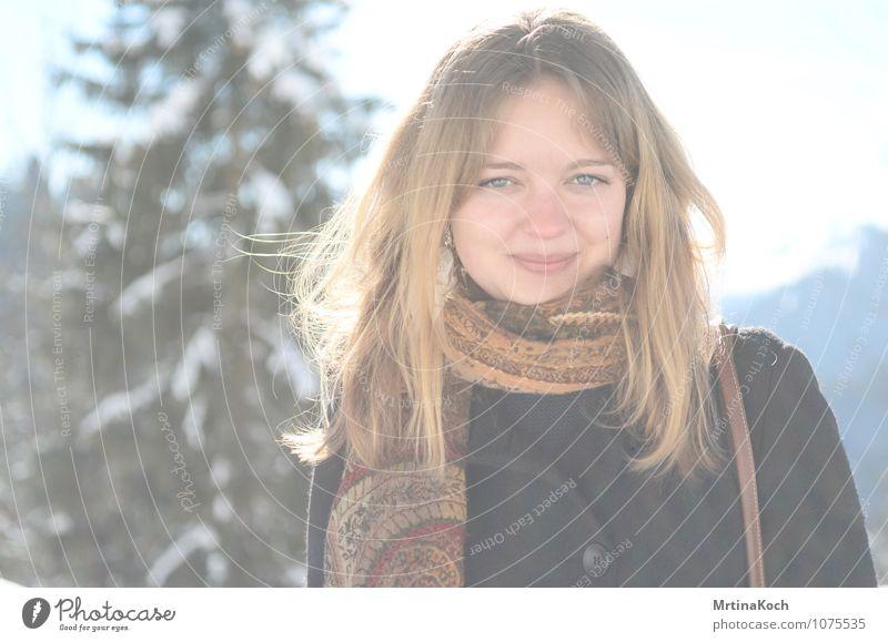 Winterblick II. feminin Junge Frau Jugendliche Erwachsene 1 Mensch 13-18 Jahre 18-30 Jahre Freude Glück Fröhlichkeit Zufriedenheit Lebensfreude Frühlingsgefühle