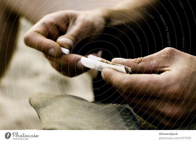 Bastelstunde Papierrollen Tabak Rauchen ungesund Rauchen verboten Nikotin Teer Kondenswasser Zigarette Rauschmittel Konzentration Schwäche selber drehen paper