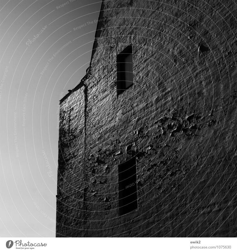 Glitzerfassade Wolkenloser Himmel Schönes Wetter Lauenburg Stadt Haus Mauer Wand Fassade alt glänzend groß hoch oben trist geduldig ruhig Verfall Vergangenheit