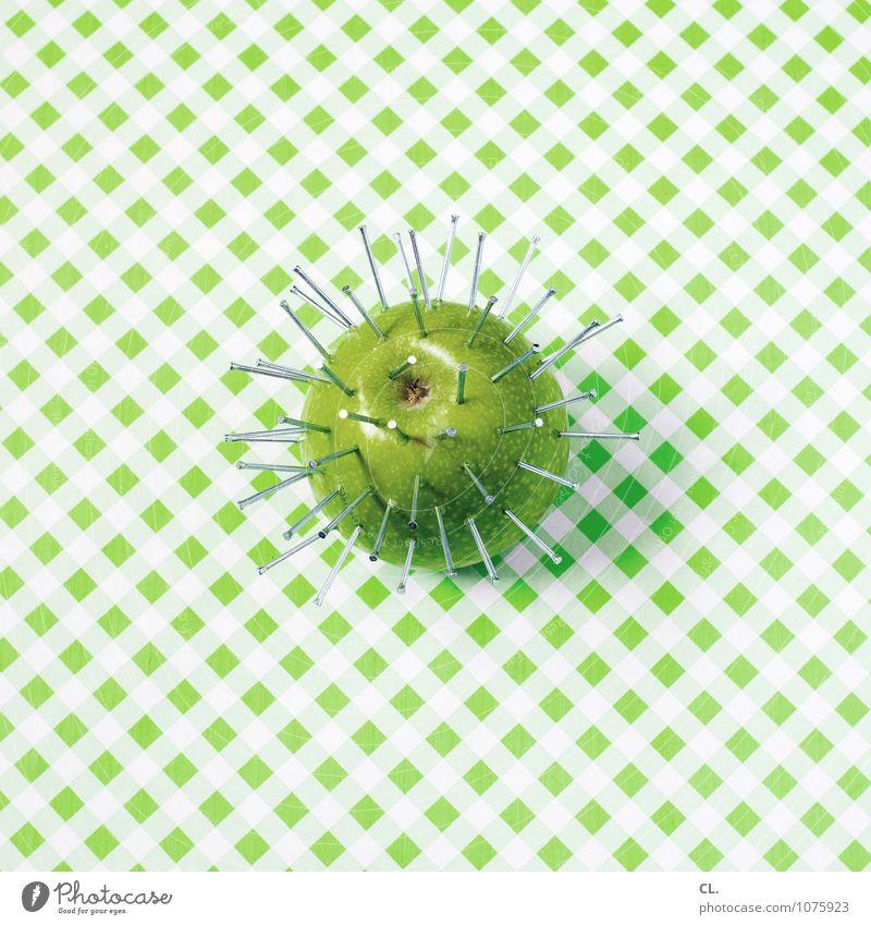 apfel mit nägeln grün Farbe Essen außergewöhnlich Lebensmittel Metall Frucht ästhetisch Ernährung Kreativität Idee Apfel skurril Inspiration Nagel