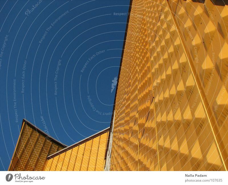 Gelb vor Blau Himmel Architektur Mauer Wand Philharmonie modern blau gelb Berliner Philharmonie Tiergarten Kammermusiksaal Scharoun Farbfoto Außenaufnahme